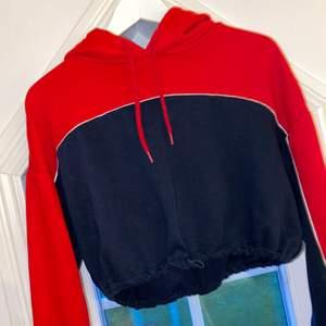 Cool hoodie ifrån H&M. Använda en gång