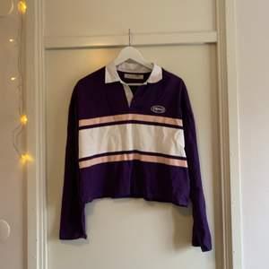 Långärmad tröja från Junkyard. Använd endast en gång. Köparen står för frakten. 💕