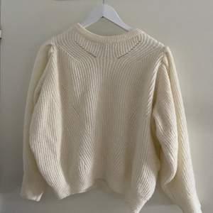 Super söt stickad tröja från MQ. Köptes för ca 399kr säljer för 100kr då den ej kommer till användning! Super söt! ‼️Sticks ej‼️