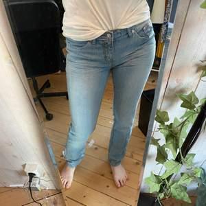 Blåa jeans från john baner, säljer då de inte kommer till användning, köparen står för frakten ✨❣️❣️