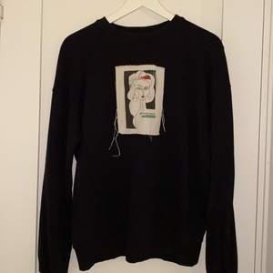 Svart sweatshirt, NAKD