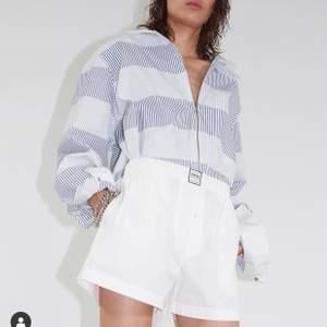 Säljer denna eytys skjortan! Bud från 600kr ord pris 2500kr