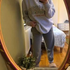 Super soft H&M sweatshirt! Size mens L, fits s -m oversize. Almost perfect condition