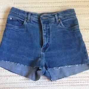 Skönare jeansshorts är svårt att hitta, bra skick