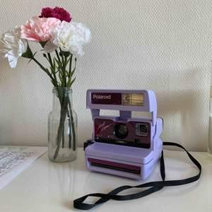 Original Lilas Polaroïd camera  with 4 square paper in it ✨ (600 instant)
