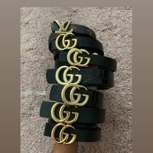 Helt nya skärp 6 Gucci skärp och 1 Louis Vuitton skärp. Olika längder på dem men passar alla vill man ha fler hål så kan man fixa det själv, först till kvarn går åt FORT