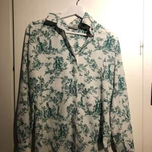 Skjorta från hm i lätt tyg. Storlek 36 ❤️