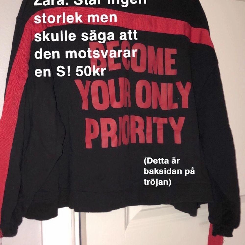 Från Zara . Tröjor & Koftor.