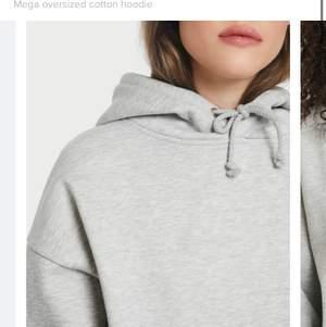 hoodie från weekday.