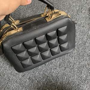 Snygg väska, aldrig använd.