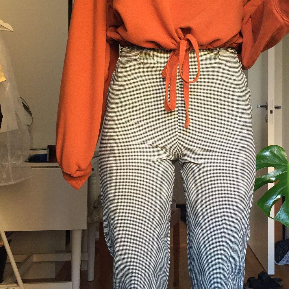 Dom har blivit för små för mig :( men tidigare hade dom en helt perfekt passform, och dom är i fint skick. Jeans & Byxor.