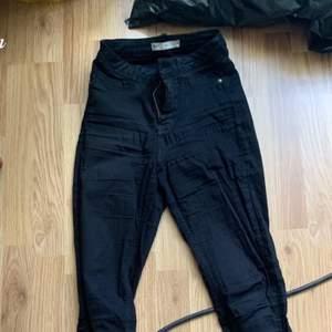 Jeans modell Molly highwaist från Gina tricot