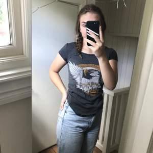 Saints and mortals strl XS skit fin vintage tshirt i bra skick, säljer då jag har en nästa likadan