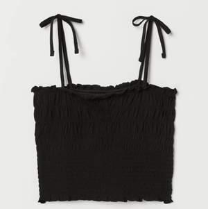 Superfint linne ifrån H&M, aldrig använt, storlek M men funkar både till S! Frakten är tillräknat i priset 💕