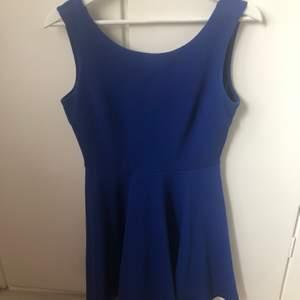 Klänning i blå färg från Forever 21
