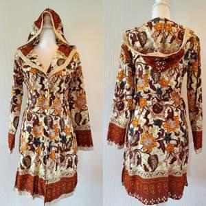 Tunika /klänning med luva. Storlek 38, frakt tillkommer med 44 kr