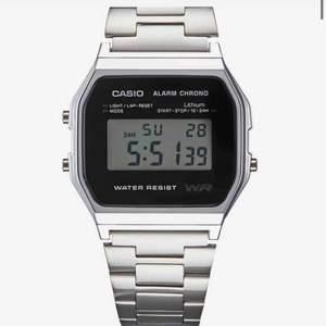 Säljer min fett snygga klocka från casio, jag säljer den då den inte kommer till användning.