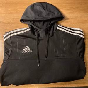 Adidas tröja