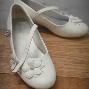 Snygg skor,lite använda
