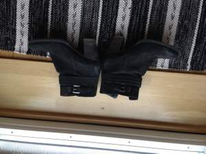 Fodrade Ecco skor använda endast ett fåtal ggr. Bra skick   Fraktkostnader tillkommer.