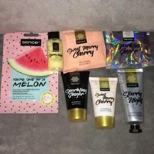 Detta är lite produkter. Det är ansiktsmask, schampoo,badsalt,fece scrub och hand cream. Har aldrig andvänt det!😊💕