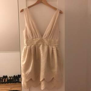 Hm klänning
