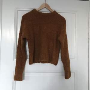 Brun fake-ull tröja från weekday