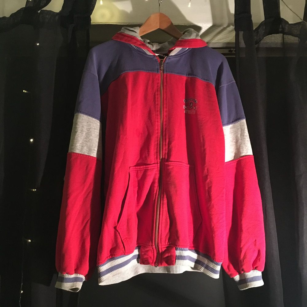 Vintage Reebok hoodie 🎡. Huvtröjor & Träningströjor.