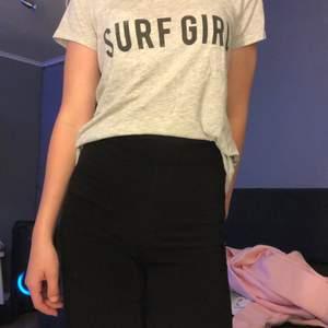 En as skön t-shirt från Gina i storlek xs. Använd 5-7 gg
