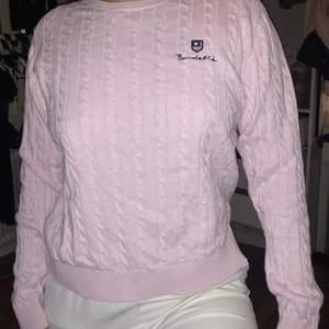 Rosa långärmad stickad tröja från Bondelid, använd fåtal gånger pga för stor, strl M