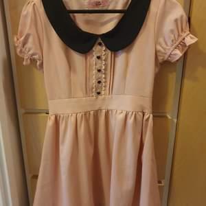 Kawaii klänning xs gulligt och fin material. Bild går skicka vid intressen