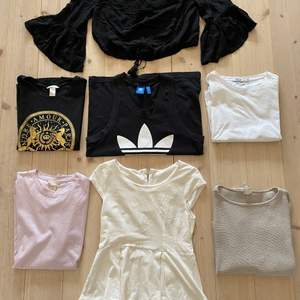 Alla kläder på bilden 30kr/st