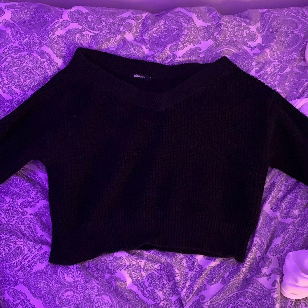 Jätte fin v ringad tröja från Gina tricot men använder inte längre. Samma modell som min andra vita tröja jag säljer mitt pris 100+frakt . Tröjor & Koftor.