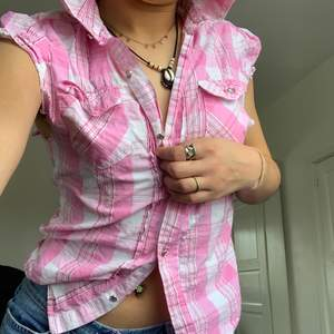 Söt rosa skjorta strl s