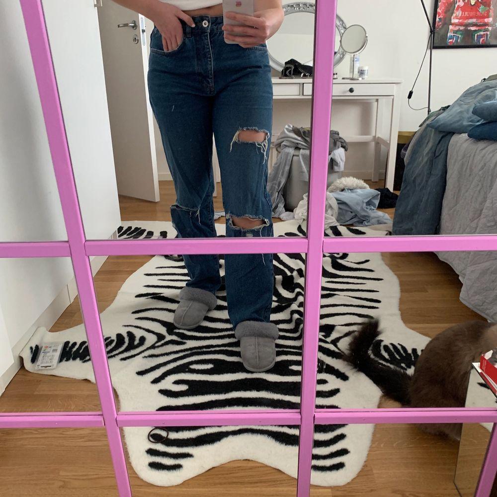 Jeans från Collusion köpta i somras. As snygga baggy. Köparen står för frakt. Jeans & Byxor.