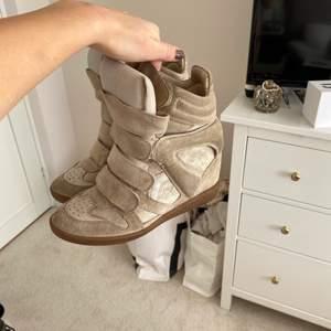 Beiga skor från isabel marant i storlek 36!