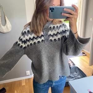 Säljer denna stickade tröja, storlek S, 200kr + frakt💕