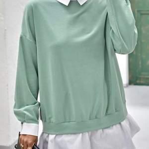 Ljusgrön tröja från shein aldrig använt pga. Aldrig hunnit den är superfin men dock ganska tunnt material ordinarie pris:179 köpare står för frakt storleken är small men den är så pass stor i storlek att den skulle kunna passa xs-m