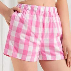 Hey, I'm selling these shorts which are NEW. I bought them but they don't suit me. Size: Medium. 100% cotton.