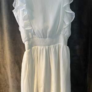 klänning från cubus. aldrig använd. nypris 299