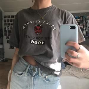 Skitball T-shirt köpt secon hand