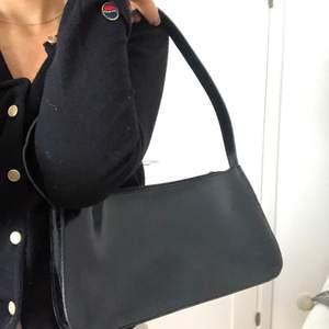 Väska från furla nypris 2000-3000.