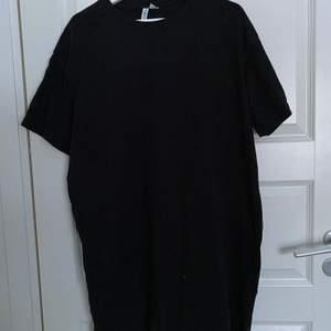 Säljer min t-shirts klänning från hm. 40kr + frakt
