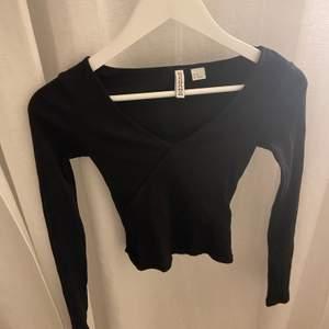 Jättefin tröja från hm som tyvärr blivit förliten för mig.