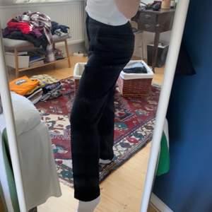 Från bikbok, jag är 160 lång för referens. Skriv gärna för mått/fler bilder osv