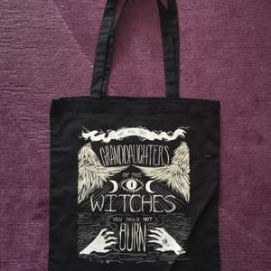 A new tote bag, worn once