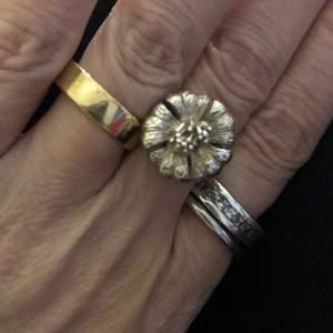 Underbar ovanlig äkta silverring 1 1/2 cm bredd storlek 20mm i diameter