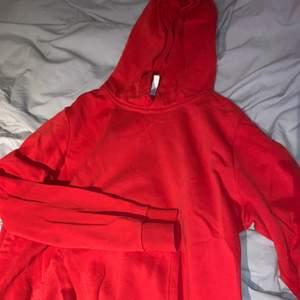 röd oversized hoodie