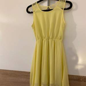 Säljer nu denna jätte fina klänningen