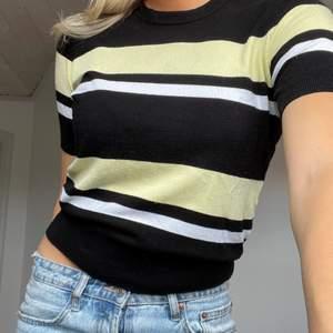 Säljer denna fina tröja från Zara i storlek M. Skulle dock säga att den passa alla mellan S-L. Säljer den då den inte kommer till användning längre! Betalningen sker via swish och köparen står för frakten. hör av dig om du är intresserad🦋